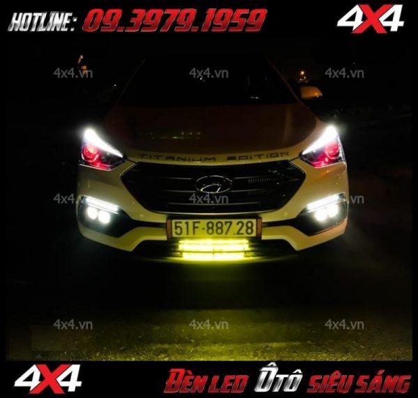 Xe ô tô lắp đèn phá sương nhỏ màu vàng giúp tạo thêm điểm nhấn cho xe