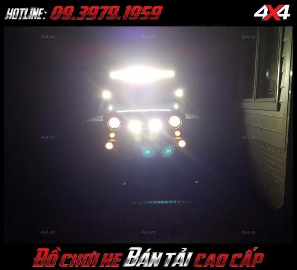 Led bar <strong>độ đèn Ford Ranger</strong>: Đèn led bar là một trong số kiểu đèn led được độ nhiều nhất cho xe bán tải