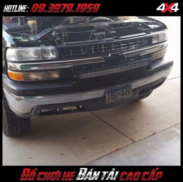 Led bar <strong>độ đèn Ford Ranger</strong>: Để độ xe đẹp mắt và đẹp mắt một số bạn nên gắn thêm đèn led bar cho xe ô tô bán tải của mình