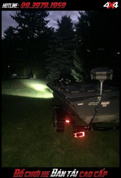 Tấm ảnh led bar <strong>độ đèn Ford Ranger</strong>: Với cường độ sáng tốt, đèn led bar trợ giúp siêu tốt cho người lái vào ban đêm