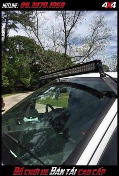 Hình ảnh led bar <strong>độ đèn Ford Ranger</strong>: Với hình dạng đẳng cấp và khả năng chiếu sáng tốt đèn led bar được rất nhiều người độ ngày nay