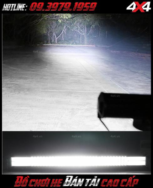 Độ sáng cực khủng của đèn led bar 12D gắn nóc xe bán tải