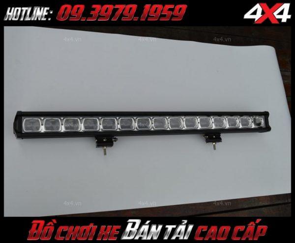 Hình ảnh đèn led bar ô tô, đèn led bar xe bán tải: đèn led bar 6D chụp từ mặt trước