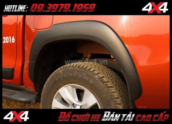 Image Ốp cua lốp cho xe bán tải Toyota Hilux chất lượng giá rẻ ở HCM