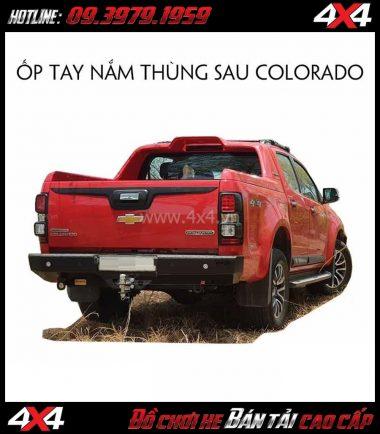 Ốp tay nắm thùng sau màu đen dành cho xe bán tải Chevrolet Colorado