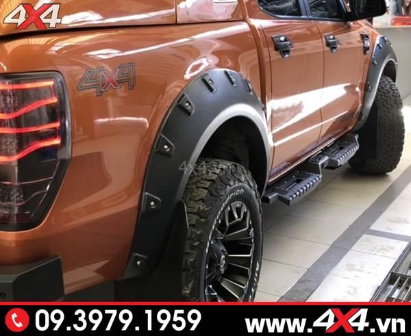 Đồ chơi xe Ford Ranger: Chiếc bán tải Ford Ranger gắn bậc bước sắt Open cực ngầu và cứng cáp