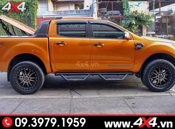 Đồ chơi xe Ford Ranger: Chiếc bán tải Ford Ranger gắn bậc bước lên xuống kiểu Thái Lan đẹp và cứng cáp