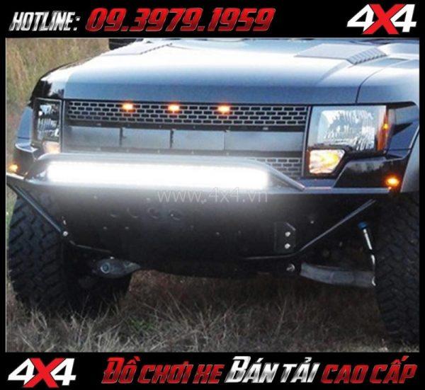 Tấm ảnh tăng sáng cho Ford Ranger 2018 Led bar 12D lắp đẹp và trợ sáng cực tốt cho xe off-road Ford Ranger 2018