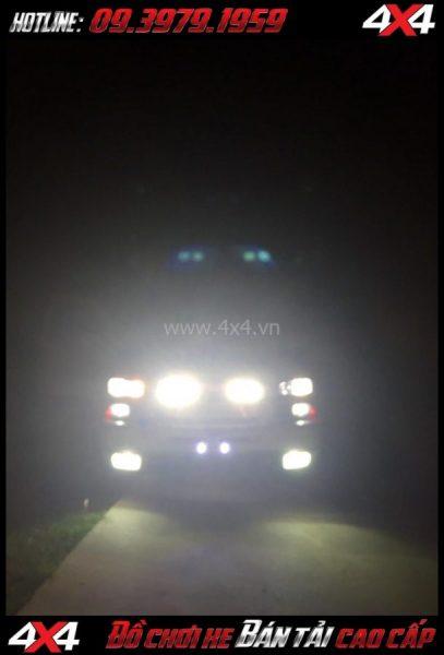 Photo tăng sáng cho Ford Ranger 2019 Led vuông và tròn gắn đẹp và trợ sáng cực tốt cho xe off road Ford Ranger 2018