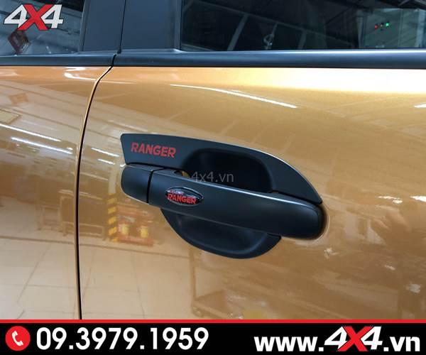 Đồ chơi xe Ford Ranger: Ốp tay nắm, ốp chén cửa màu đen độ đẹp và hài hòa cho xe Ford Ranger