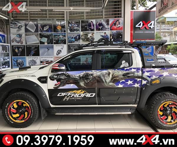 Ốp sườn, ốp hông bản lớn màu đen dành cho xe Ford Ranger