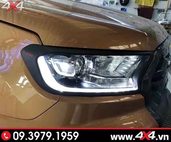 Giá xe Ford Ranger 2018 - Ốp viền đèn trước màu đen gắn Ford Ranger Biturbo