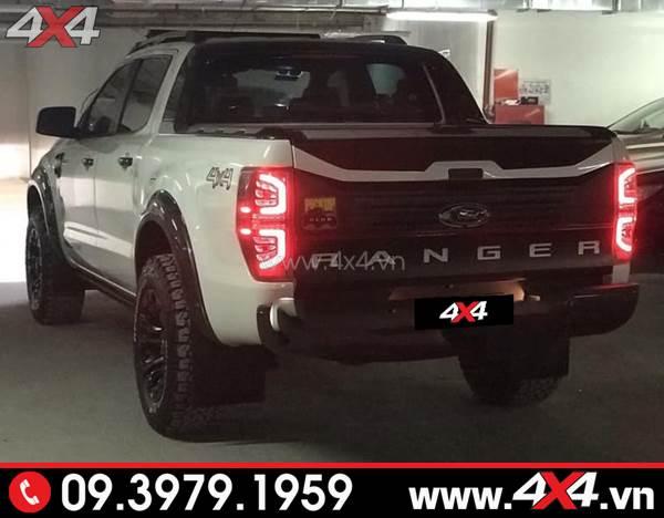 Đèn hậu kiểu chữ C độ đẹp và chất cho xe bán tải Ford Ranger