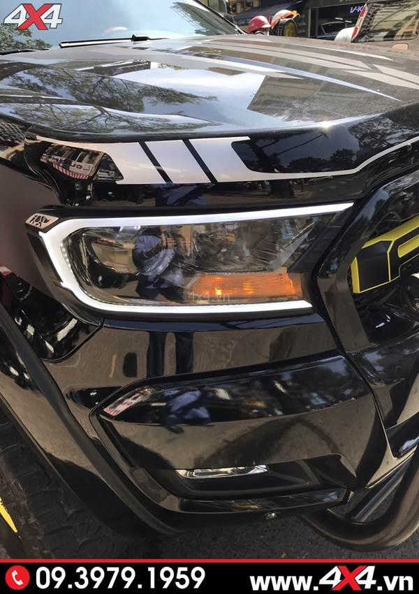 Ốp viền đèn trước có led gắn đẹp và chất cho xe bán tải Ford Ranger