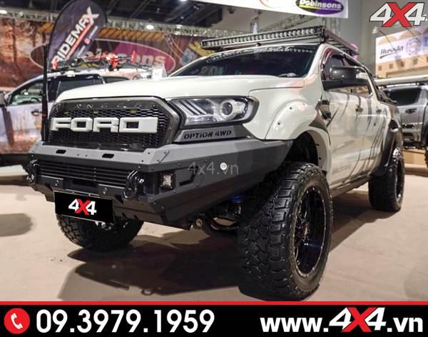 Chiếc bán tải Ford Ranger độ đẹp với toàn đồ chơi khủng - Hình 10