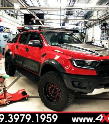 Chiếc Ford Ranger Raptor đỏ độ hầm hố và ngầu hơn với mâm Fuel Stroke