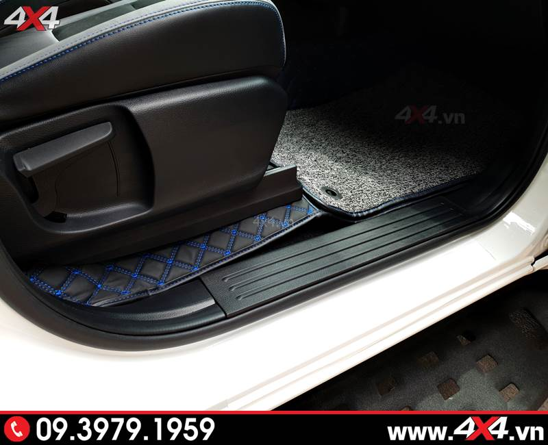 Thảm lót sàn 6D đẹp và sang trọng dành cho nội thất xe bán tải Ford Ranger