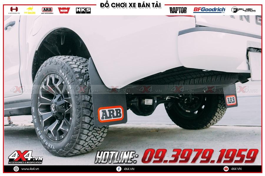 Lý do nên mua phụ kiện chắn bùn Ford Ranger tại cửa hàng 4x4