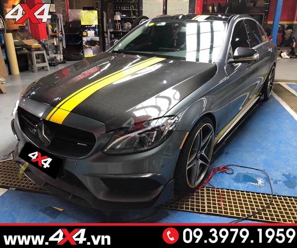 Nắp Ca pô C63 độ cho Mercedes đươc làm bằng chất liệu cao cấp