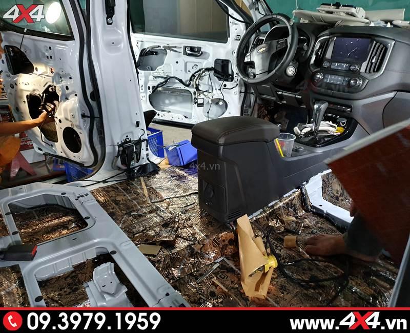 Xe bán tải Chevrolet Colorado làm cách âm chống ồn tại 4×4
