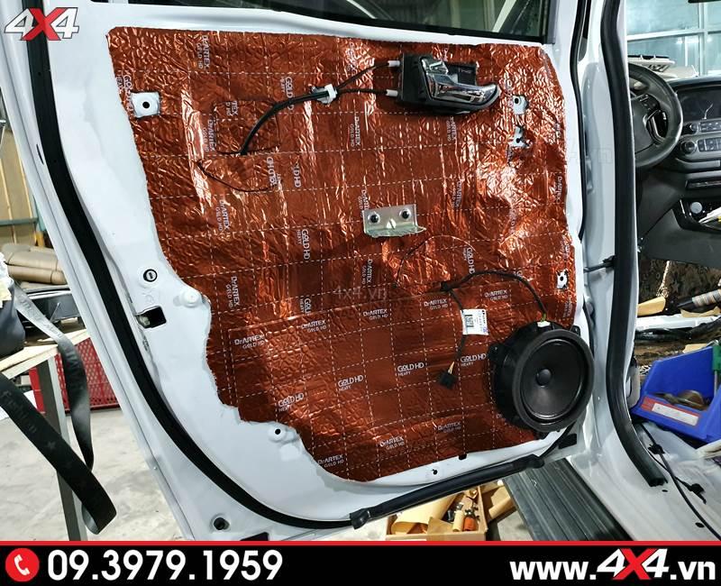 Cách âm chống ồn phần cửa xe bán tải Chevrolet Colorado