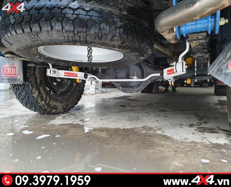 Chevrolet Colorado độ cùm nhíp và thanh cân bằng giúp giữ thăng bằng cho xe