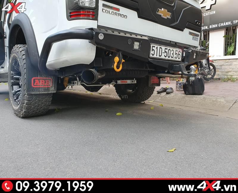 Chevrolet Colorado độ cùm nhíp và thanh cân bằng độ giúp xe giữ thăng bằng và không bị sụp ổ gà