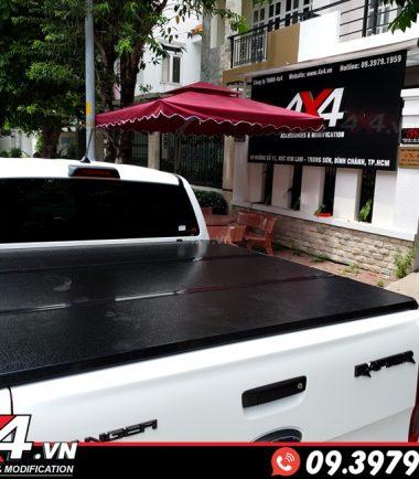 Nắp thùng 3 tấm độ đẹp và tiện lợi cho xe Ford Ranger