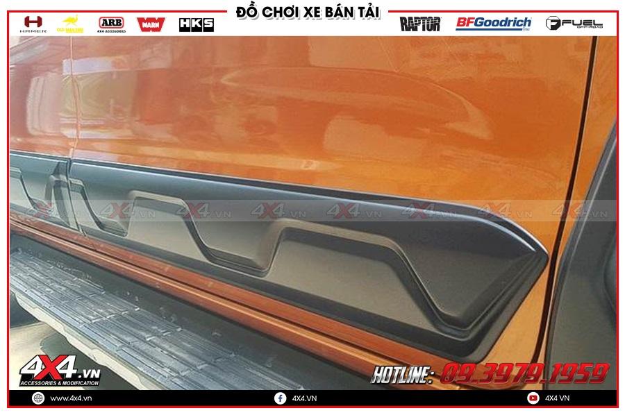 Độ ốp hông cửa cực đẹp cho xe bán tải tại 4x4 Hồ Chí Minh