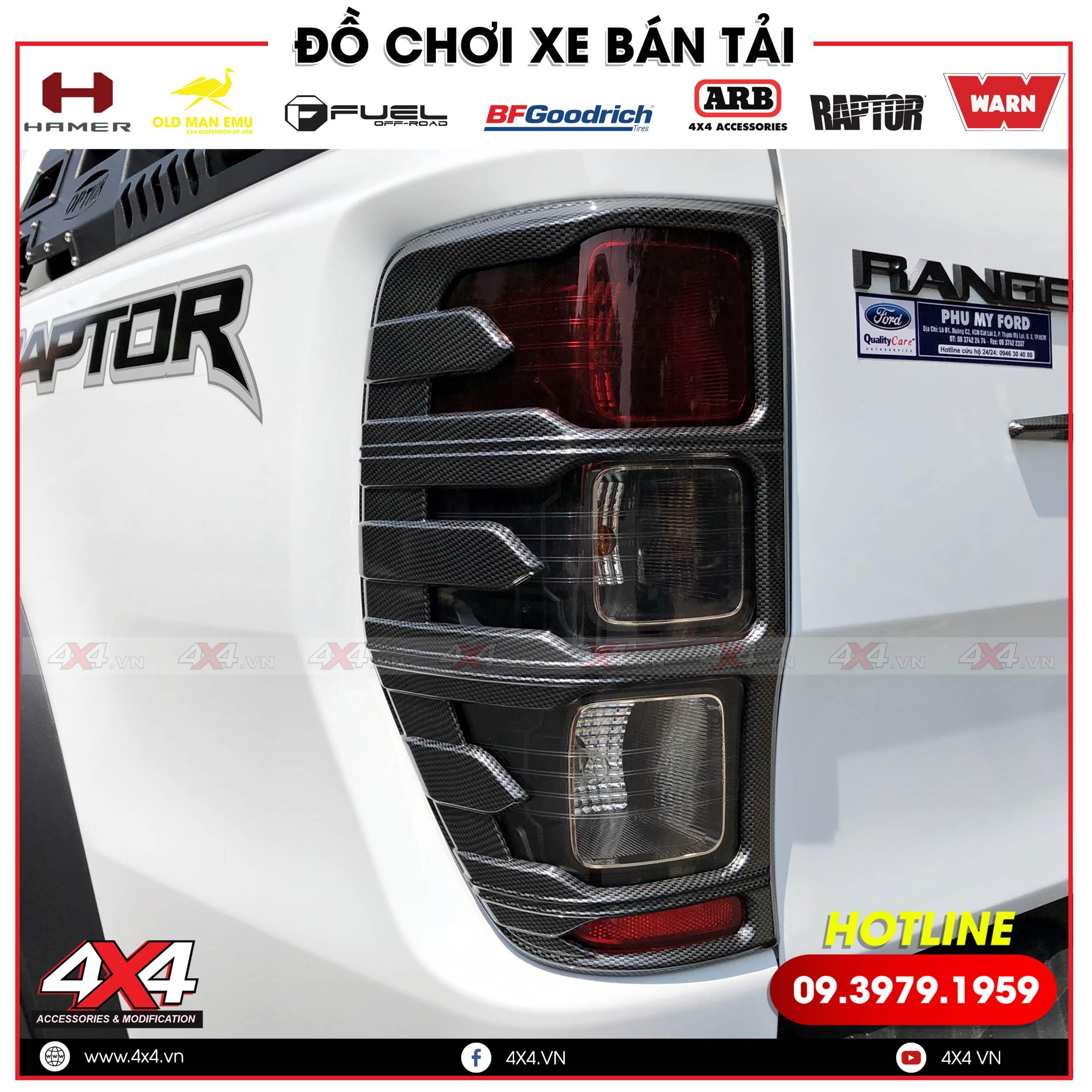 Ốp viền đèn hậu màu carbon độ đẹp sang trọng và cứng cáp cho xe bán tải Ford Ranger