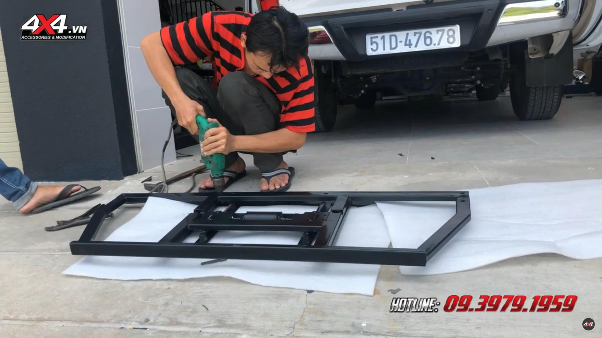 4x4 workshop chuyên độ ghế chỉnh điện cho xe bán tải Mazda BT-50 tại 4x4