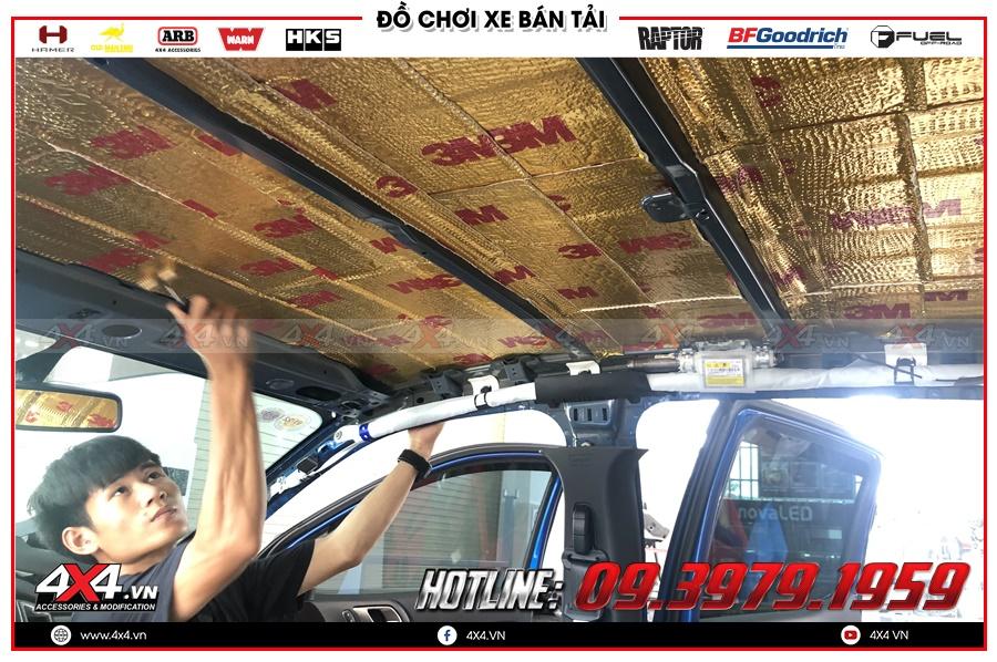 Cách âm trần xe Ranger Raptor - dán cách âm xe Ranger Raptor tại cty 4x4