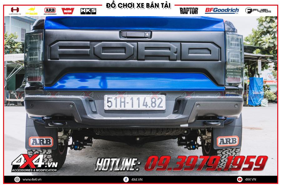 Lên ốp cốp sau cực đẹp cho Ford Ranger Raptor tại 4x4 Hồ Chí Minh