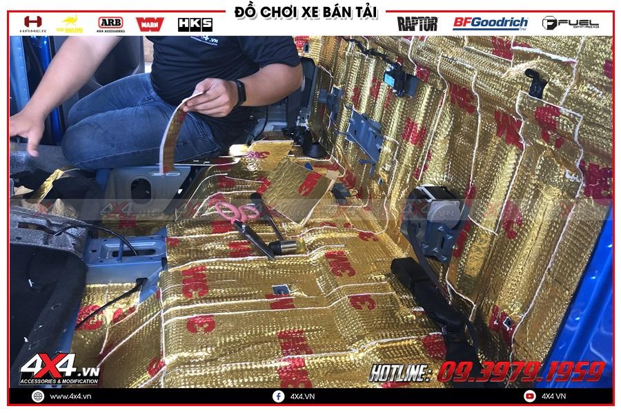 Làm cách âm chống ồn cho xe Isuzu Dmax tại cty 4x4 TP HCM