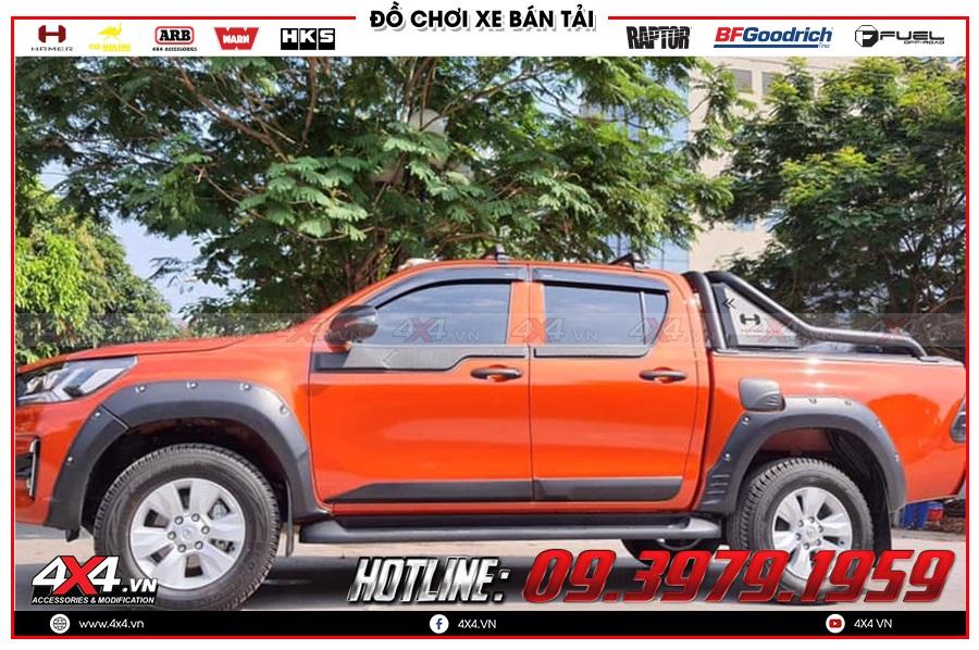 Bảng giá ốp hông cửa xe Toyota Hilux 2020 hàng nhập Thailand