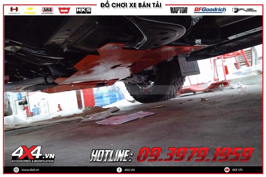 Giáp gầm xe Toyota Hilux cực chất tại Workshop 4x4 HCM