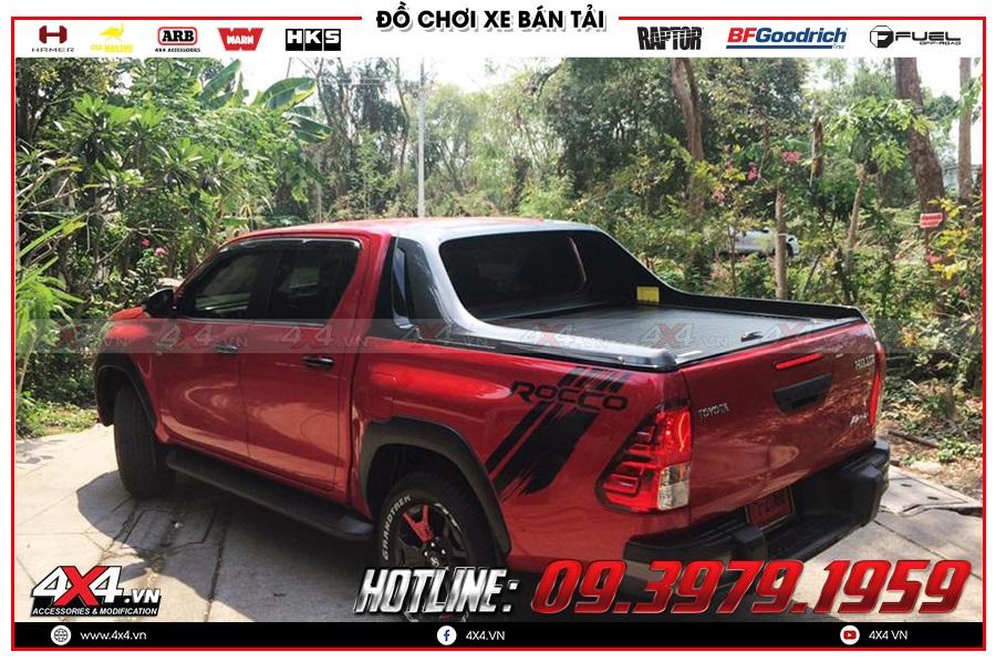 Lưu ý khi gắn nắp thùng cuộn dành cho xe Toyota Hilux 2020 sao cho giá rẻ tại 4x4