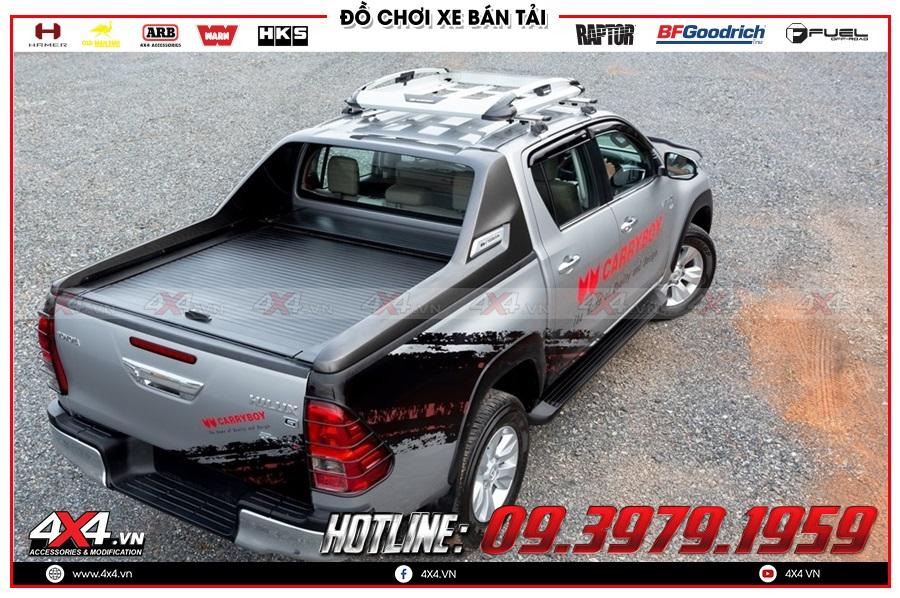 Độ nắp thùng cuộn cho xe Toyota Hilux 2020 tiện dụng và giá hợp lý ở 4x4
