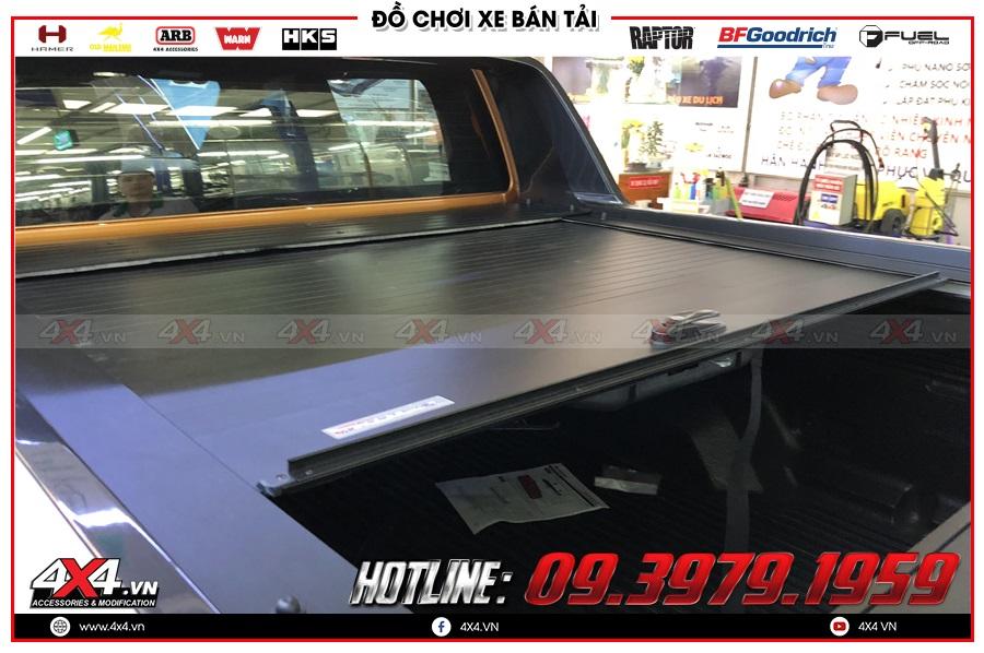 Lên nắp thùng cuộn cho xe Ford Ranger 2020 tiện dụng và giá hợp lý tại 4x4
