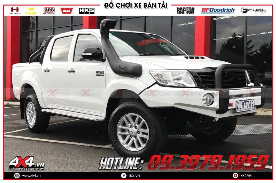 Thay ống thở cho xe Toyota Hilux 2020 cực ngầu tại 4x4