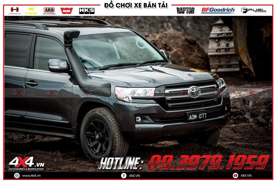 Lắp ống thở cho xe Toyota Hilux 2020 cực ngầu tại 4x4