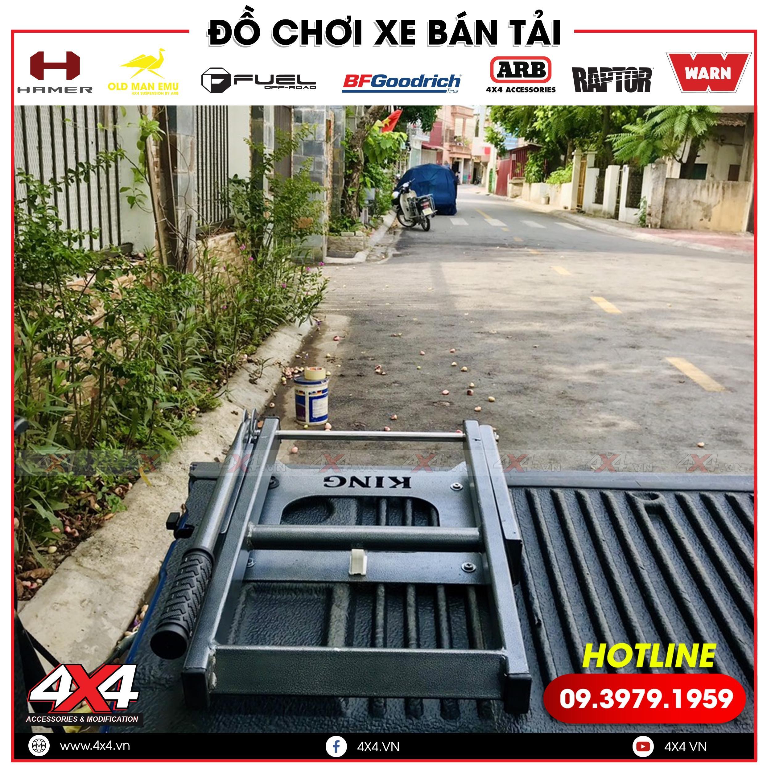 Gắn bậc lên xuống thùng sau xe Bán tải 2020 thêm dễ dàng tại gara độ 4x4