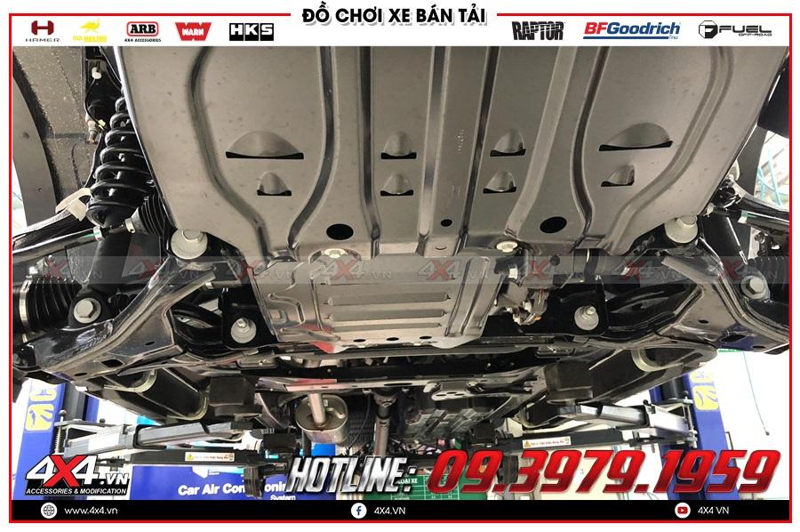 Chi tiết xịt phủ gầm xe Chevrolet Colorado giá mềm nhất 2020