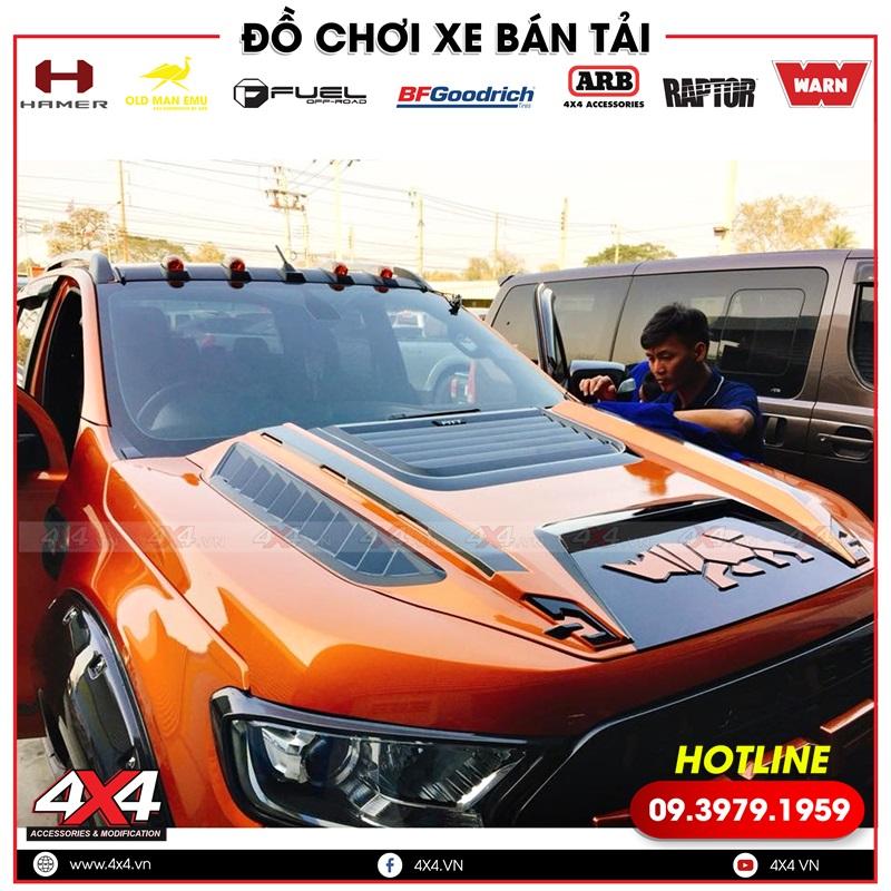 Ốp nắp capo màu đen cam độ đẹp cho xe bán tải Ford Ranger màu cam