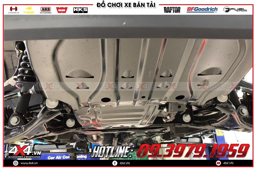 Trang Bị phủ gầm chống rỉ sét cho xe Isuzu Dmax giá tốt tại TP.HCM