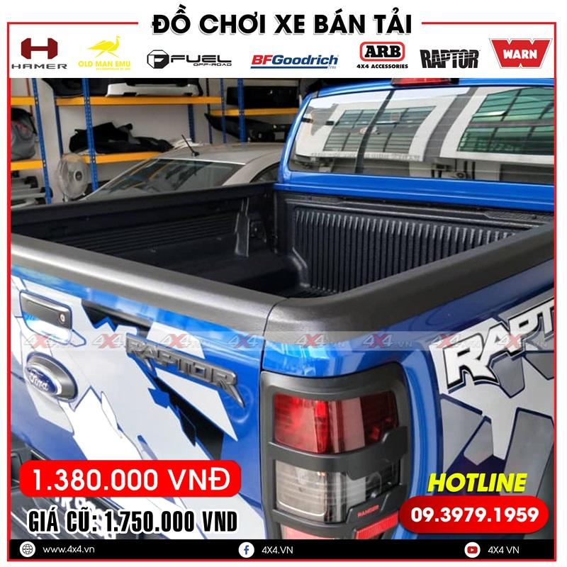 Ốp chống trầy thùng xe bán tải Ford Ranger