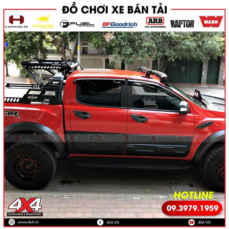Xe bán tải Ford Ranger Raptor màu đỏ độ ốp hông cửa bảng lớn cực ngầu và đẳng cấp