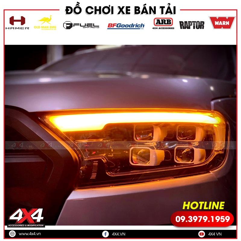 Cụm đèn trước 4 bóng cùng với mí led giúp làm nổi bật và đẹp hơn cho xe bán tải Ford Ranger