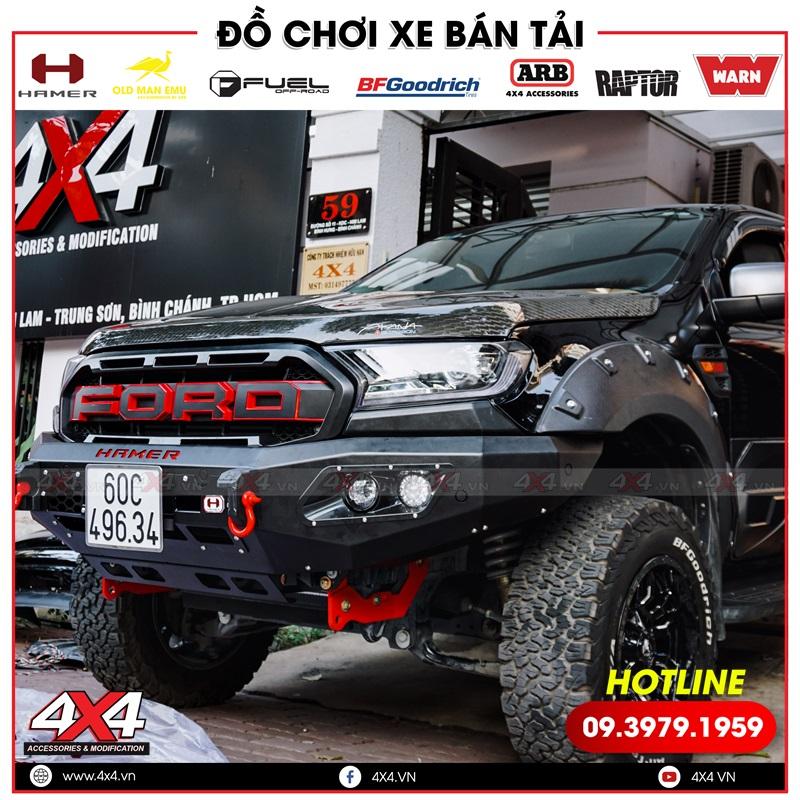 Chiếc bán tải Ford Ranger XLS XLT màu đen độ cản trước Hamer và mặt nạ chữ Ford cực đẹp và ngầu