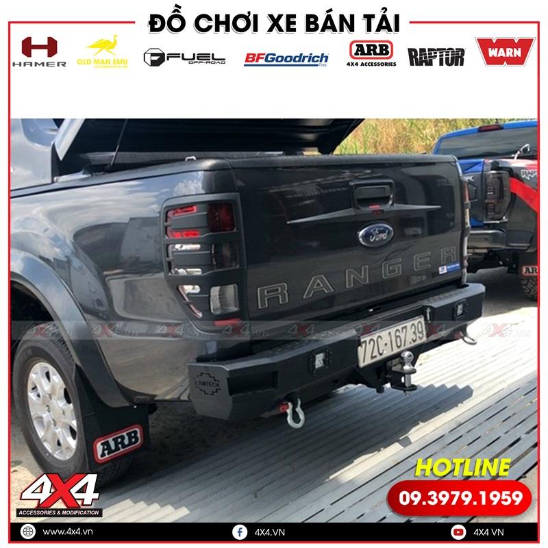 Xe bán tải Ford Ranger XLS độ cản sau Cantech, chắn bùn ARB, ốp trang trí